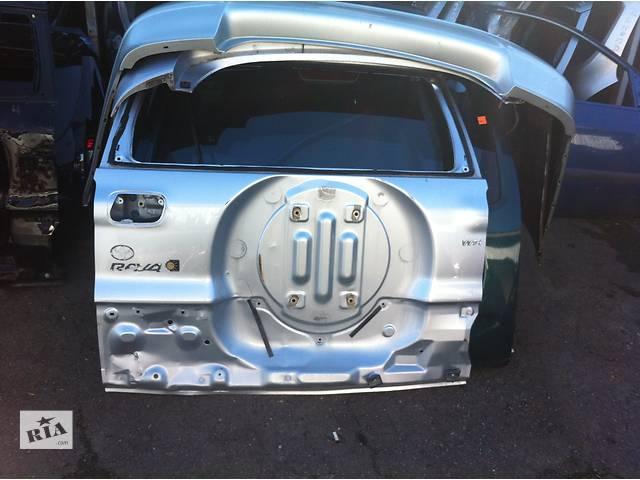 продам Б/у Крышка багажника Toyota Rav 4 бу в Киеве