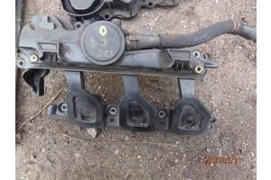 б/у Крышки клапанные Renault