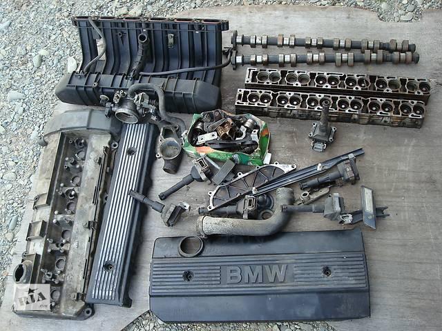 купить бу Б/у крышка клапанная для седана BMW 525 в Стрые