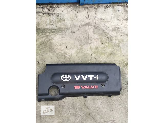 купить бу Б/у крышка мотора для седана Toyota Rav 4 в Киеве