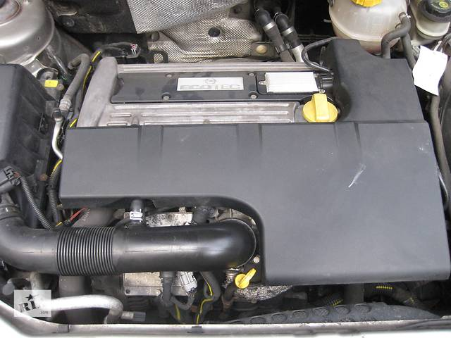 купить бу Б/у крышка мотора двигателя двигуна Opel Vectra C Вектра С в Львове