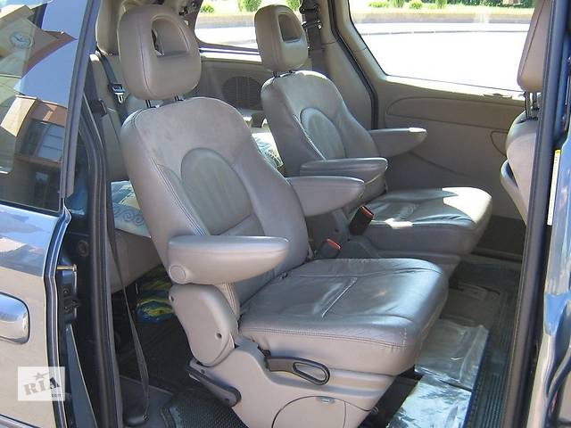 продам Б/у кузов для минивена Chrysler Grand Voyager бу в Жовкве