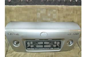 б/у Крышка багажника Lexus IS