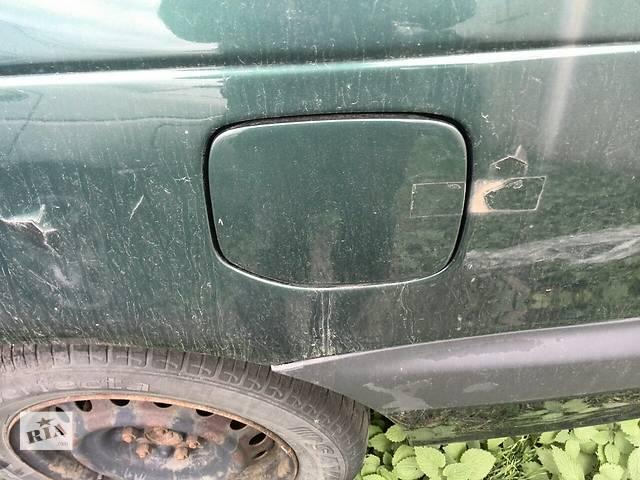 купить бу Б/у лючок бензобака 77350-20290  для седана Toyota Avensis 1999г в Киеве