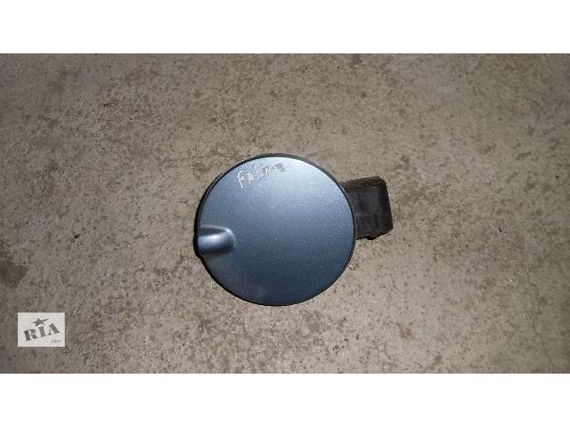 продам Б/у лючок бензобака для легкового авто Skoda Fabia 2008 бу в Коломые