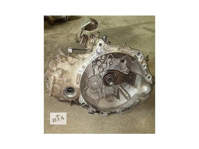 продам Б/у механическая коробка передач 30300-52410 для хэтчбека Toyota Yaris 2007г бу в Киеве