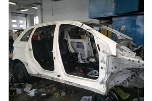 б/у Стойка кузова средняя Mercedes B-Class
