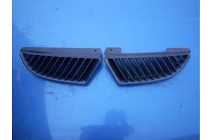 б/у Решётка радиатора Mitsubishi Colt