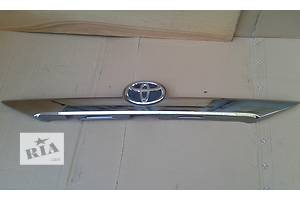 б/у Молдинги двери Toyota Camry