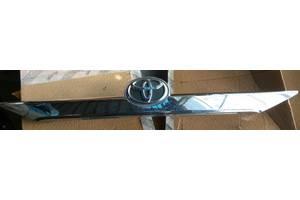 б/у Молдинг двери Toyota Camry