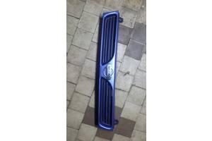 б/у Молдинги решетки радиатора Nissan Sunny