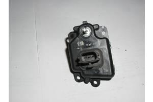 б/у Электрокорректоры фар Subaru