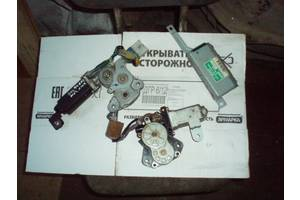 б/у Моторчик стеклоподьемника Mitsubishi Galant