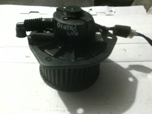продам Б/у моторчик печки для легкового авто Kia Pregio бу в Ковеле