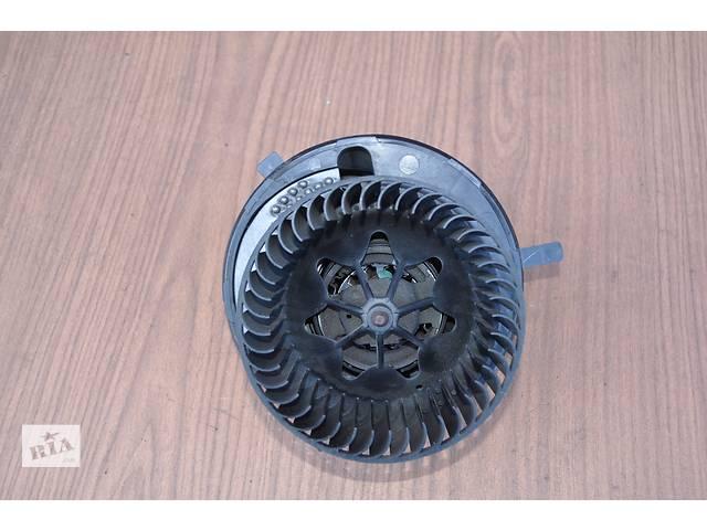 купить бу Б/у моторчик печки для легкового авто Skoda Octavia II 2004-2012 год в Луцке