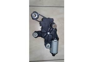 б/у Моторчики стеклоочистителя Audi Q7