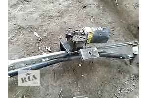 б/у Моторчик стеклоочистителя Audi 80