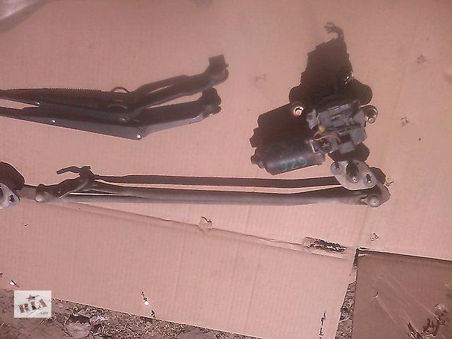 купить бу Б/у моторчик стеклоочистителя для седана Mazda 626 1988-1991 в Николаеве