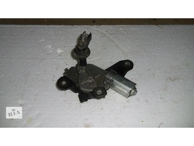 купить бу Б/у моторчик стеклоочистителя задній для легкового авто Nissan Qashqai 2008 в Коломые