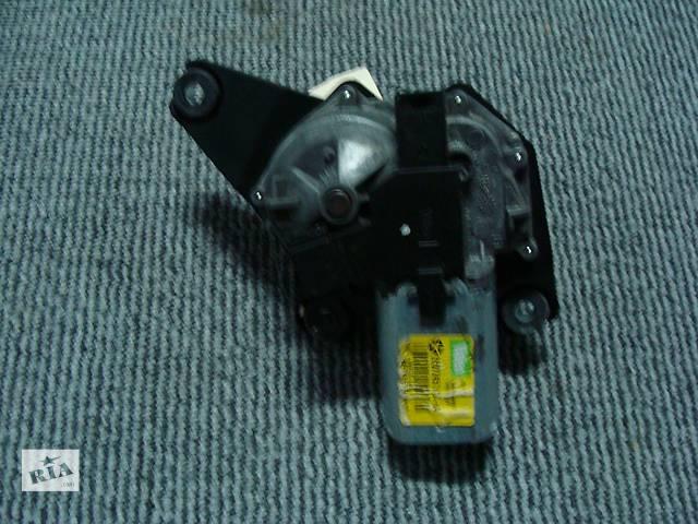 купить бу Б/у моторчик стеклоочистителя задний  для универсала Dodge Magnum 2005-2010 в Киеве