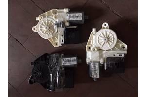 б/у Моторчики стеклоподьемника Renault Megane III