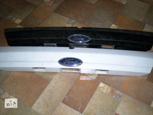 бу Б/у накладка кузова для седана Ford Mondeo 2012 в Донецке