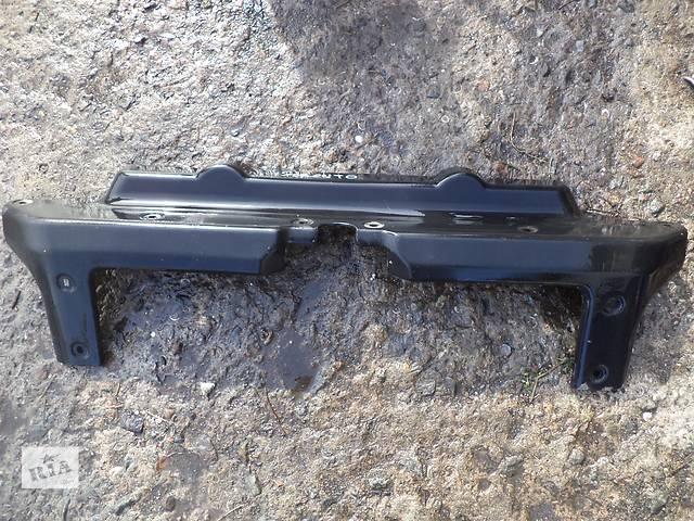 продам Б/у накладка переднего бампера 86585-3E000 для кроссовера Kia Sorento 2005г бу в Николаеве