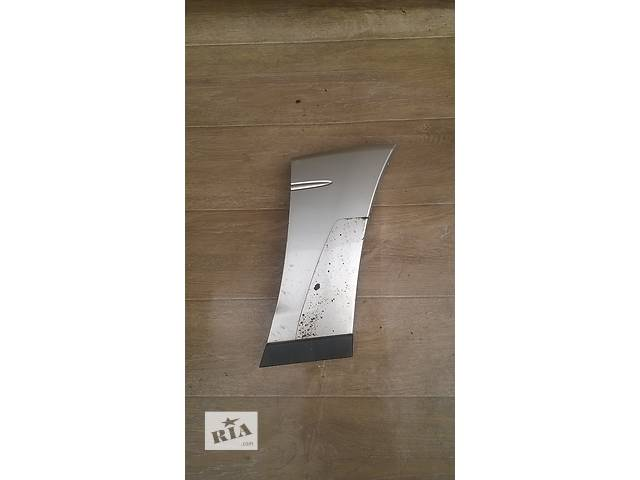 купить бу Б/у накладка переднего правого крыла (листва)  для кроссовера Lexus RX 300 (I) 2001г в Киеве