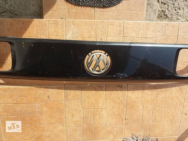 продам Б/у накладка передней панели для седана Volkswagen Passat B3 бу в Львове