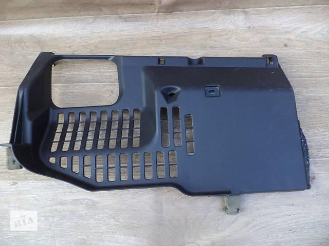 бу Б/у накладка торпедо нижняя правая 55607-60060 для кроссовера Lexus GX 470 2002-2009г в Николаеве