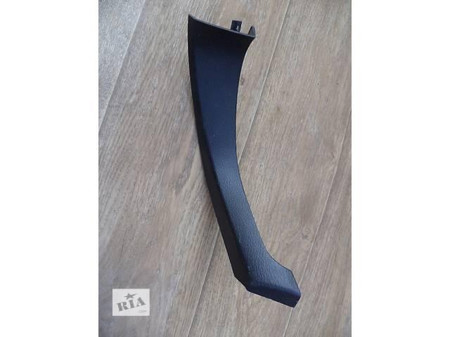 купить бу Б/у накладка центральной консоли боковая левая 58834-60060-C0 для кроссовера Lexus GX 470 2002-2009г в Киеве