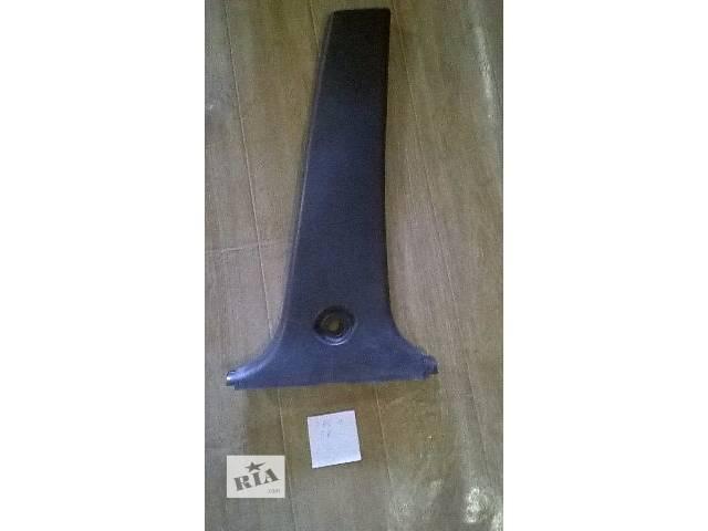 продам Б/у накладка центральной стойки внутренняя правая для кроссовера Toyota Rav 4 2002г бу в Киеве