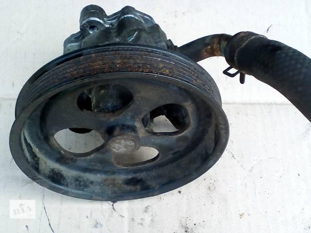 купить бу Б/у насос гідропідсилювача керма MR992871 для легкового авто Mitsubishi L 200 (Митсубиши Л 200)  в Ровно