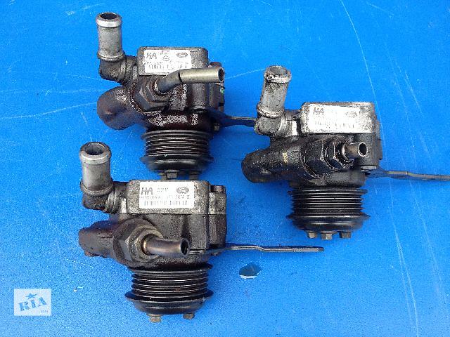 купить бу Б/у насос гидроусилителя руля для легкового авто Ford Mondeo 3 2.0TDCI (XS71-3A674-BE) в Луцке