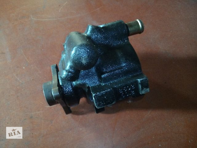 купить бу Б/у насос гидроусилителя руля для легкового авто Renault Master(Trafic) 2.2-2.5dci в Ковеле