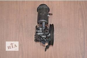 б/у Насос гидроусилителя руля Toyota Yaris