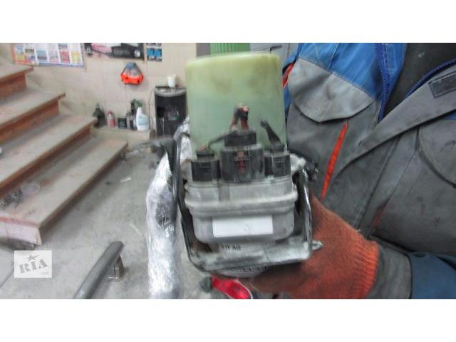 Б/у насос гидроусилителя руля для седана Skoda Fabia- объявление о продаже  в Львове