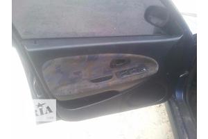 б/у Ограничитель двери Mitsubishi Carisma