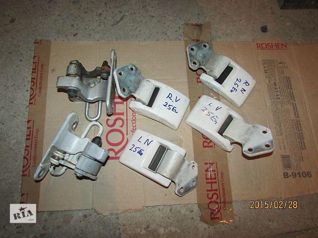 продам Б/у ограничитель двери для легкового авто Volkswagen T5 (Transporter) 2008 бу в Хусте