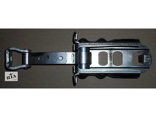 купить бу Б/у Ограничитель двери Volkswagen Crafter Фольксваген Крафтер 2.5 TDI 2006-2010 в Рожище