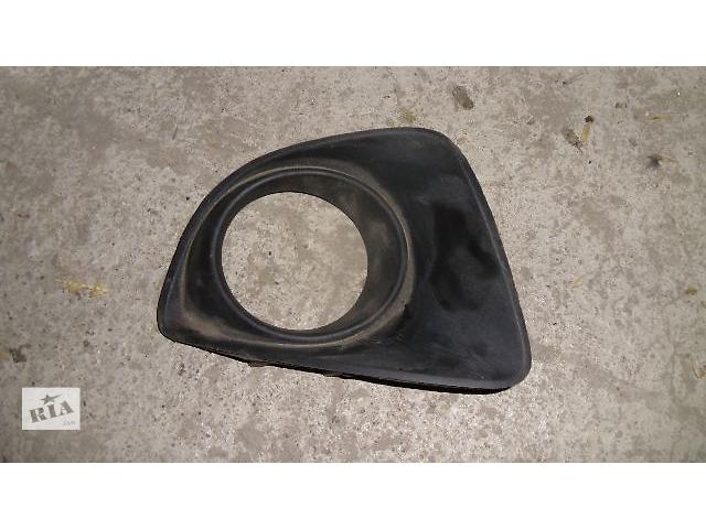 бу Б/у окантовка противотуманной фары правая для легкового авто Mazda 2 2010 в Коломые