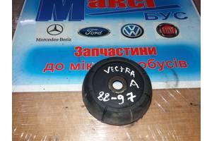 б/у Опора амортизатора Opel Vectra A