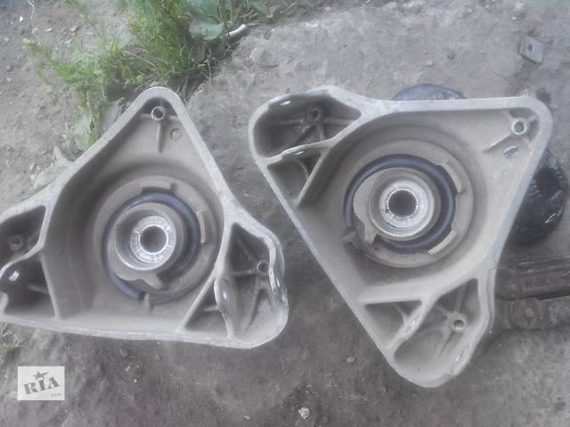 купить бу Б/у опора амортизатора для легкового авто Audi A6 в Львове