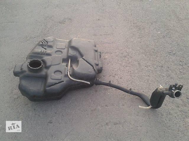 продам Б/у паливний бак для минівена Volkswagen Caddy бу в Ровно