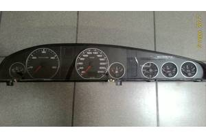 б/у Панель приборов/спидометр/тахограф/топограф Audi 100