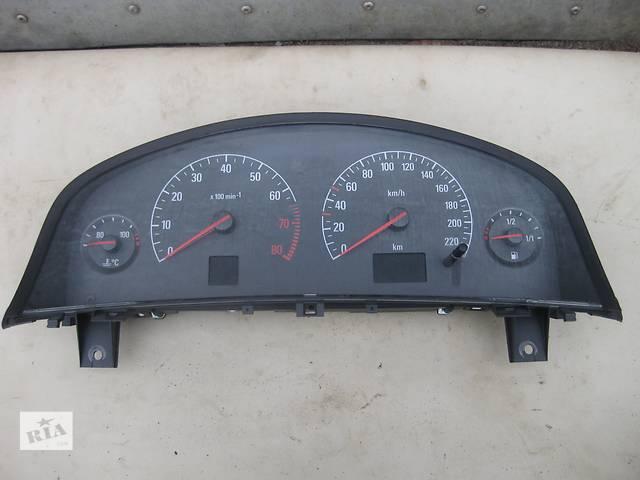 купить бу Б/у панель приборов/спидометр приборов спидометр Opel Vectra C в Львове