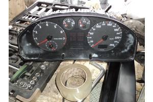 б/у Панели приборов/спидометры/тахографы/топографы Audi A4