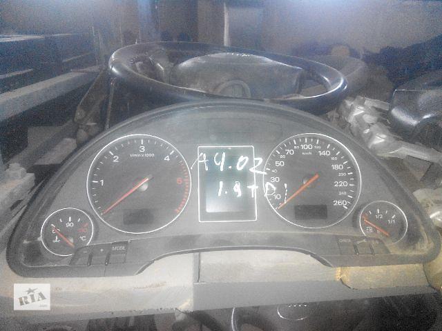 купить бу Б/у панель приборов/спидометр/тахограф/топограф для легкового авто Audi A4 2003 в Львове