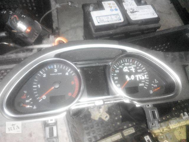 купить бу Б/у панель приборов/спидометр/тахограф/топограф для легкового авто Audi Q7 2007 в Львове