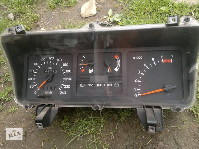 купить бу Б/у панель приборов/спидометр/тахограф/топограф для легкового авто Ford Sierra в Рожнятове
